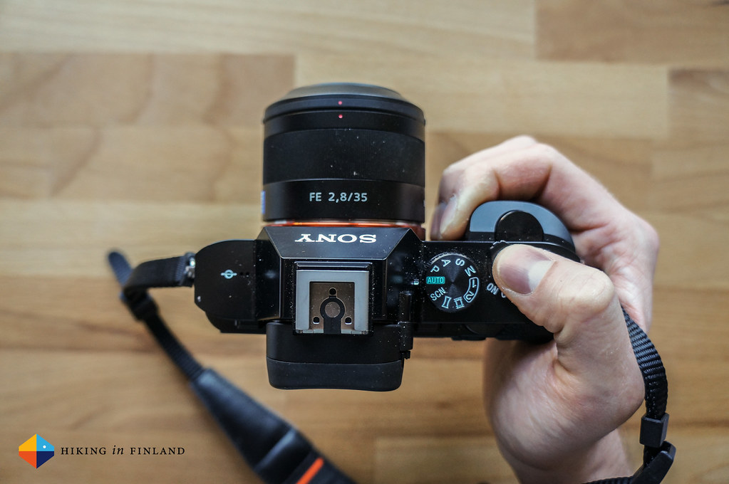 Sony A7R - View on top with thumb on the trigger