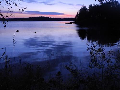 morning autumn sky lake sunrise finland geotagged september bluehour es savonlinna 2014 eteläsavo tanhuvaara suurijärvi 201409 20140928 geo:lat=6180997103 geo:lon=2907497406 tanhuvaaranurheiluopisto