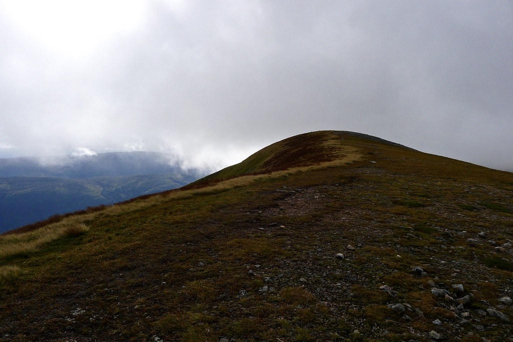 Summit plateau of Meall na Teanga