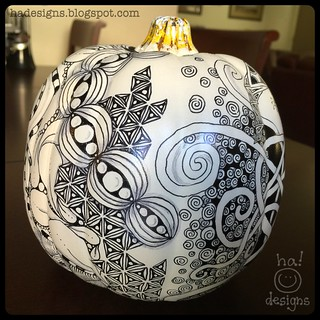 Zentangle® Inspired Art : Tangled Chalkboard Pumpkin (Right Back)