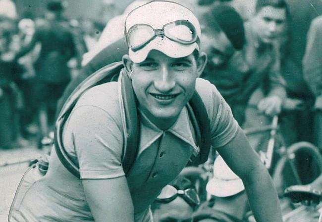 un giovanissimo Gino Bartali
