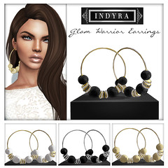 {Indyra} DeLourdes included accessories