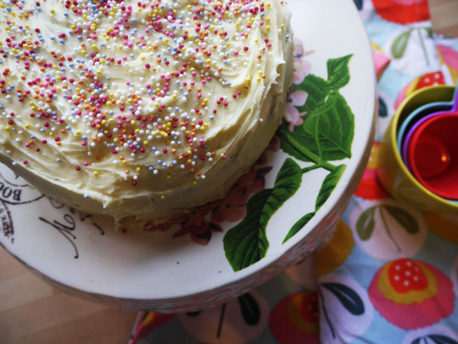 buttercream-spinkle-cake