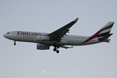 A6-EKQ A330-200 Emirates