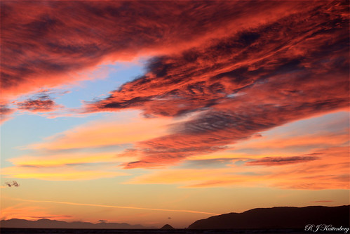 sunset newzealand cloud colour halloween silhouette canon island coast northisland aotearoa channel kapiti paraparaumu eos500d rangituhi