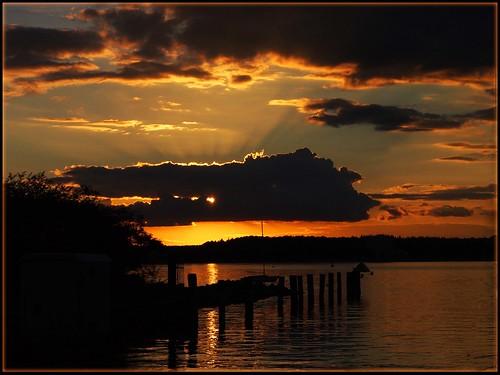 light sunset sky sun golden wasser sonnenuntergang himmel wolken balticsea ostsee abendsonne 2014 abendlicht ostseeleuchte niendorfanderostsee folgeneslicht