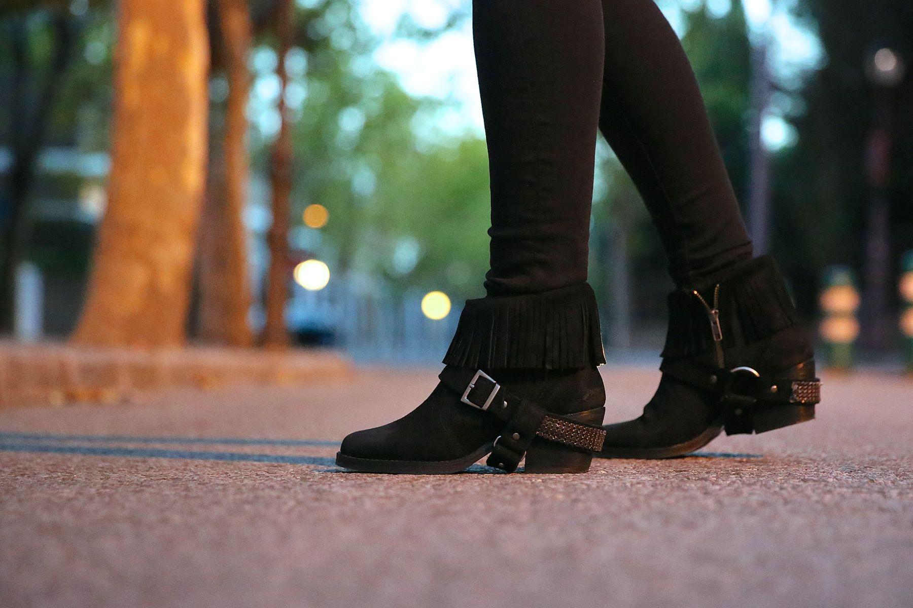 trendy_taste-look-outfit-street_style-ootd-blog-blogger-fashion_spain-moda_españa-abrigo_borrego-borreguillo-otoño-frio-cold-hat-sombrero-boho-hippie-steve_madden-skinny_jeans-pitillos-fall-2