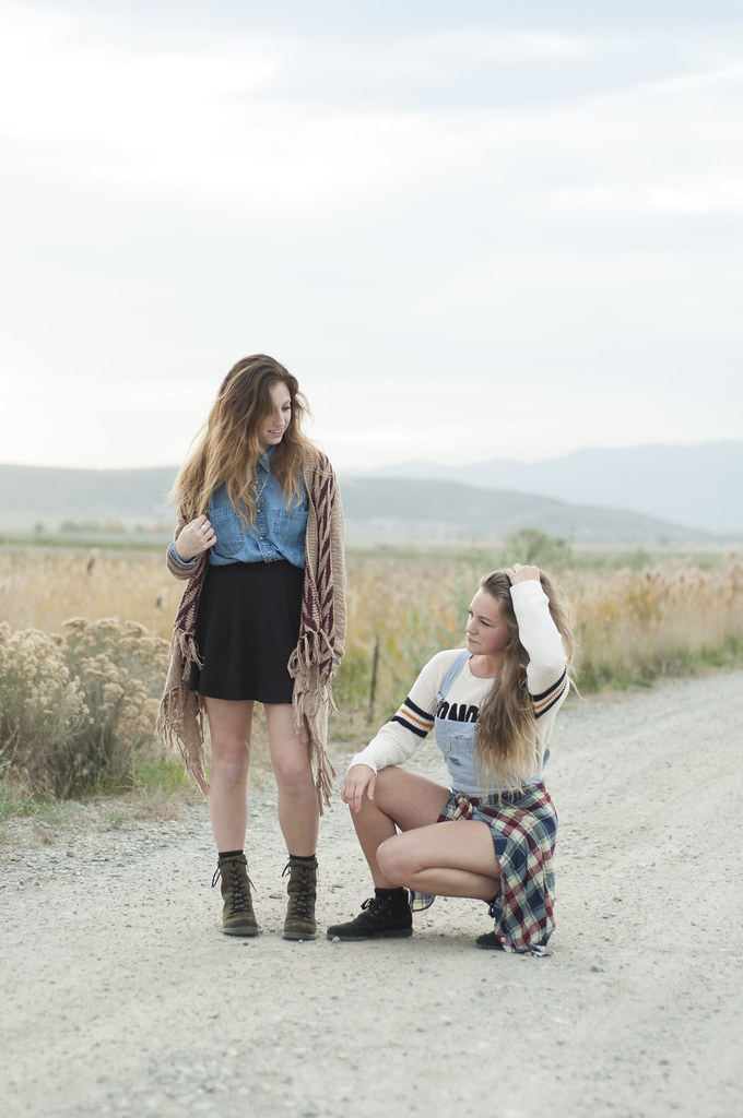 Mckenna and Abbie - 90s grunge - Utah Fashion Blog