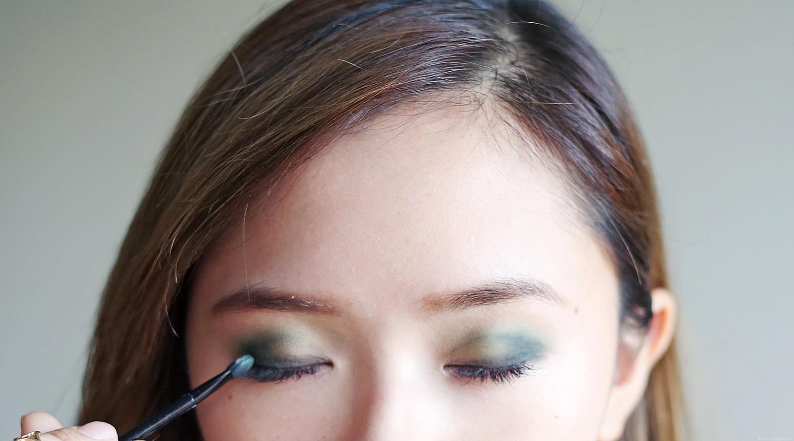 Makeup tutorial green smokey eye makeup contour camille tries makeup tutorial green smokey eye makeup contour ccuart Gallery