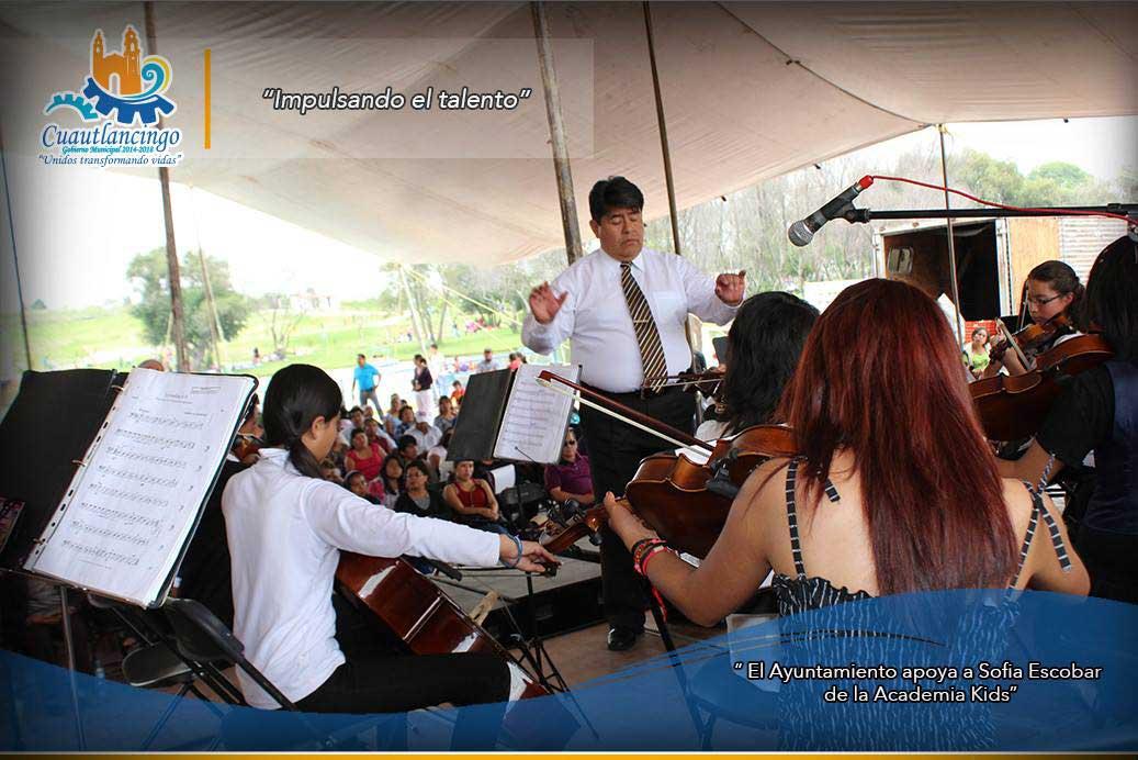 El Ayuntamiento apoya a Sofia Escobar de la Academia Kids