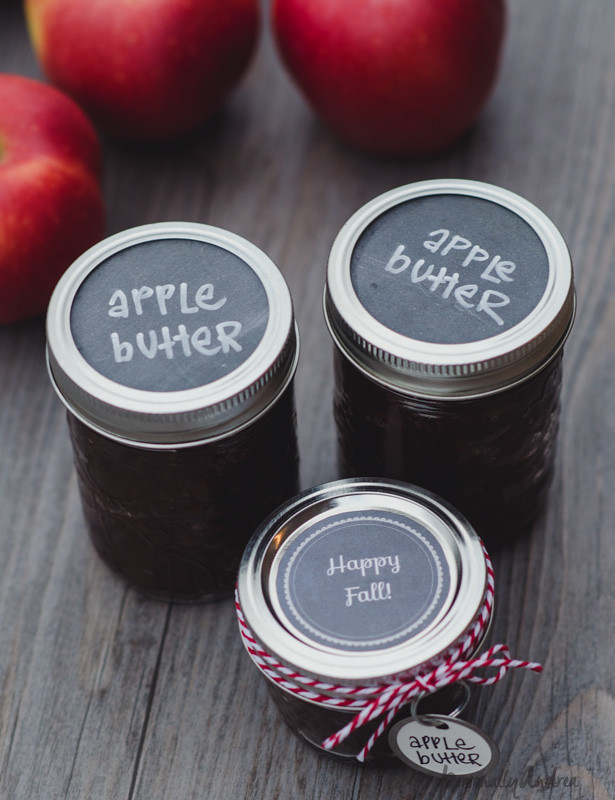 Apple Butter in Mason Jars for Gifts | personallyandrea.com