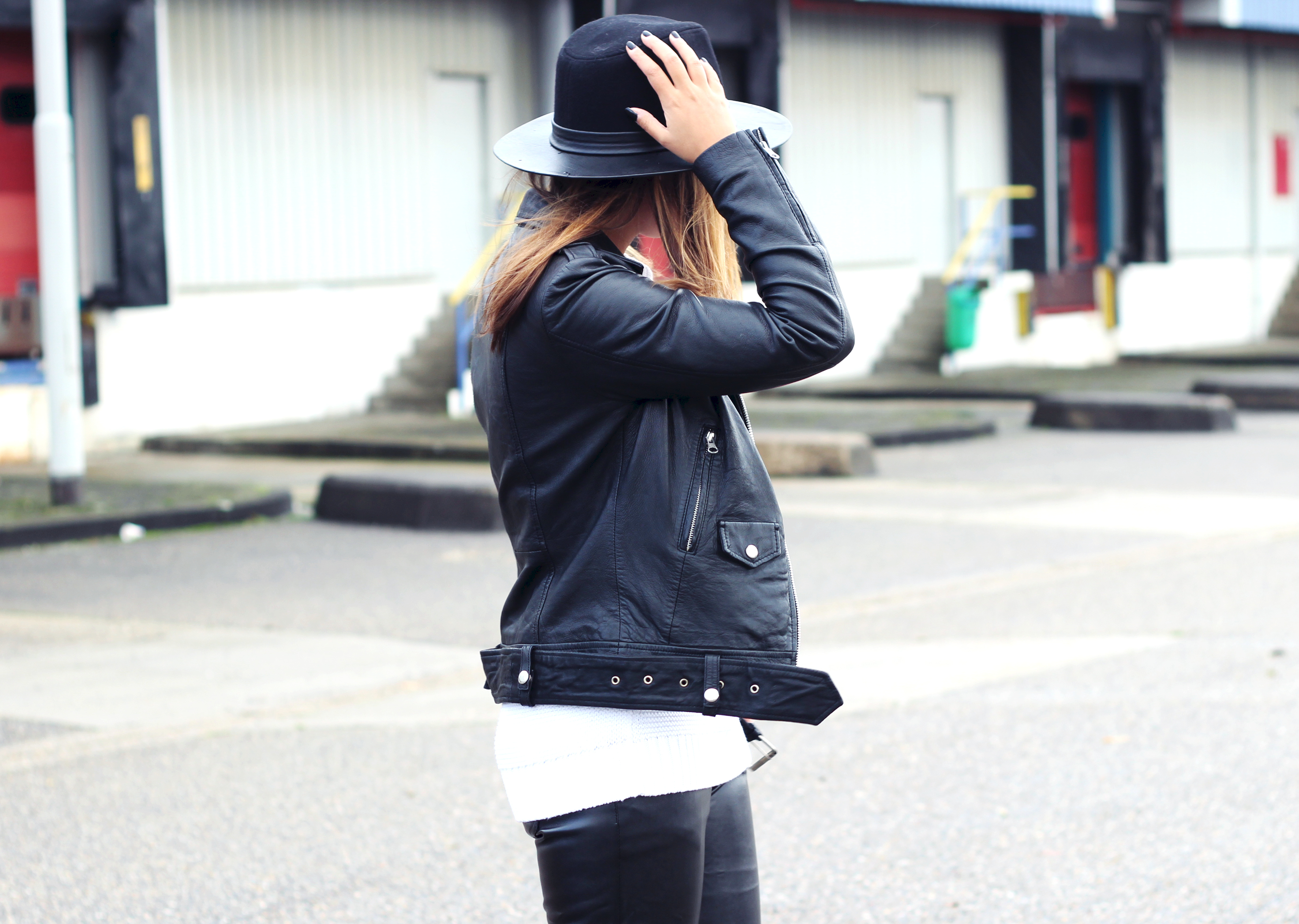 Black-fedora-hat-leather-jacket-minimalist