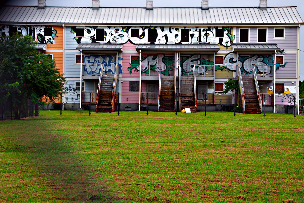 Public-housing-ruined-by-Katrina--New-Orleans-7