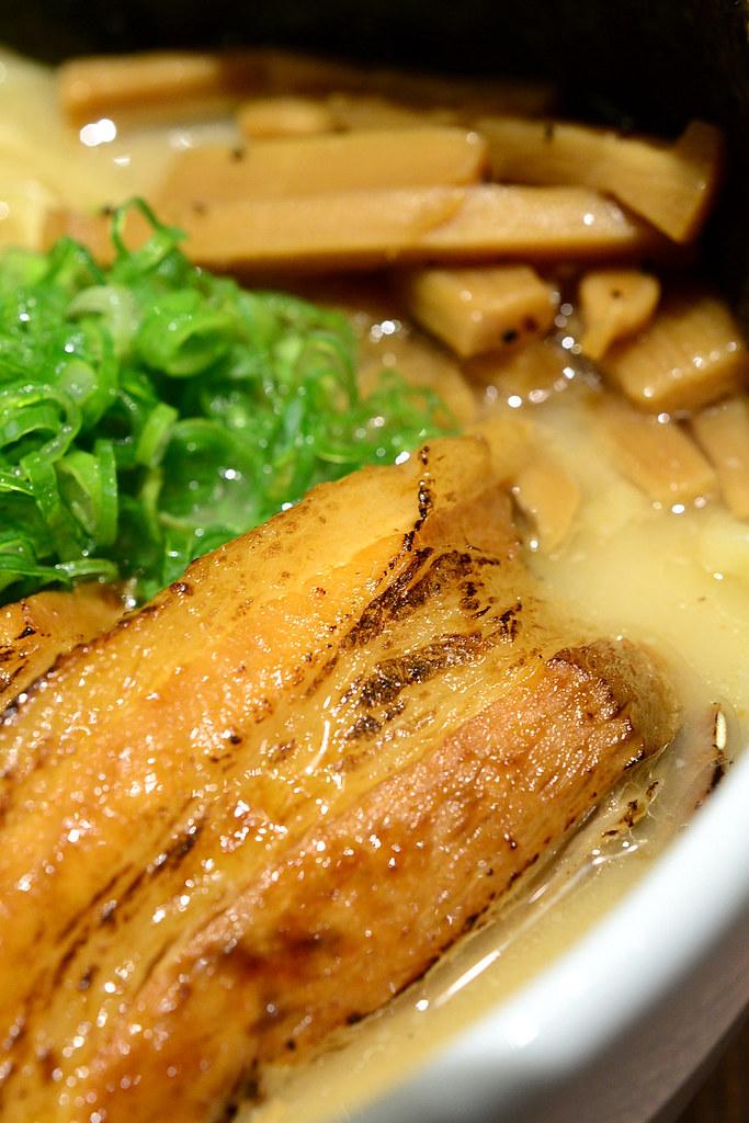 麵屋武藏 虎洞 蒜味拉麵