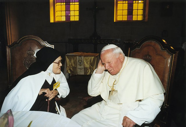 Pope-John-Paul-II-and-Sister-Lucia