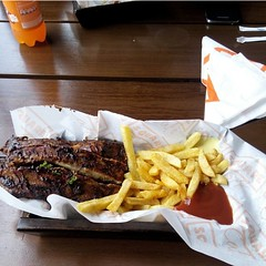 Roast lamb chops and Fries 🍖🍟🍴 Anyday all day... with some Sexy-a** friends. 😋🙌 #BigSquare #LambChops #Roast #BeingtheBoy 😉🍹
