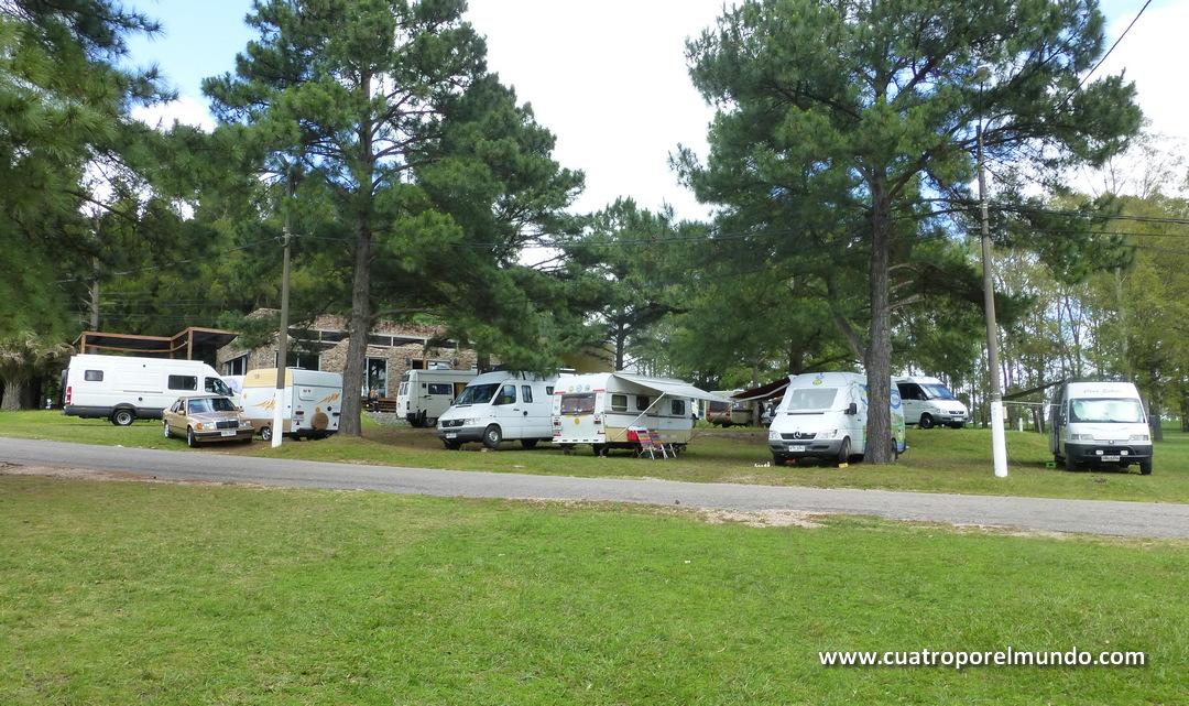 Zona de acampada en el Parque Hispanidad en Durazno