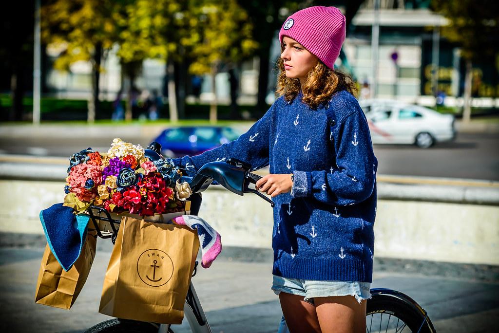 Esperando - TrendCity 2014, Madrid Moda en bicicleta