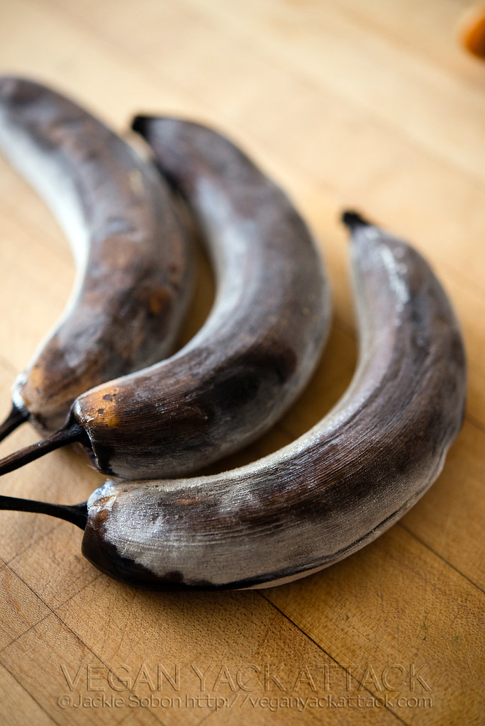 Frozen bananas in peels, defrosting