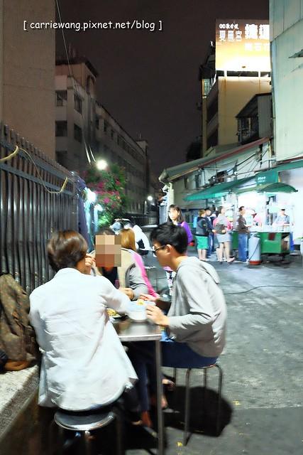 15528329179 6e5c1bdc03 z - 阿春麵担│北屯國小地下道旁營業50年的老麵店,深夜的銅板美食