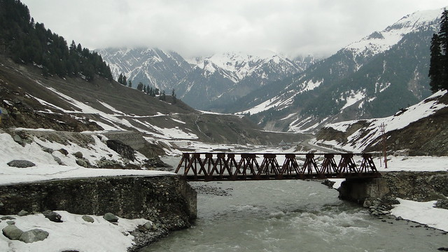 Sonamarg - Small bridge on the way