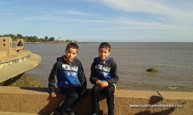 Paseando por la rambla de Montevideo