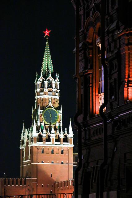 Spasskaya tower at night, Moscow Kremlin モスクワ、クレムリンのスパツカヤ塔