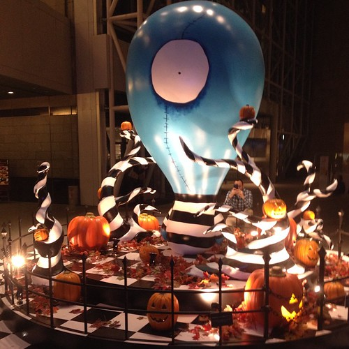 The Halloween decorations at Roppongi Hills (a giant mall with a museum and garden) are designed in collaboration with Tim Burton!!