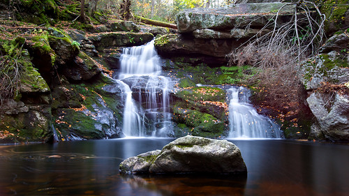 autumn fall connecticut ct waterfalls granby hartfordcounty endersfalls endersstateforest