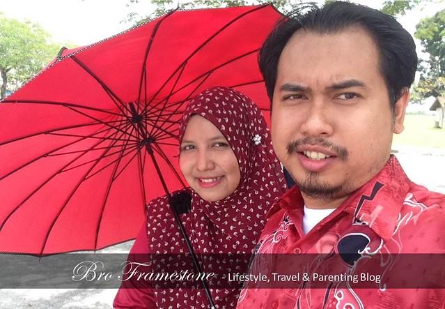 Selfie Suami Isteri Keluarga Merah