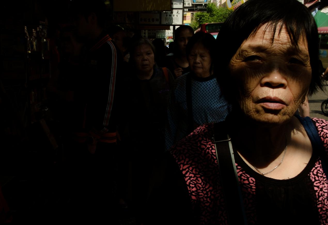 people of hong kong traditional market