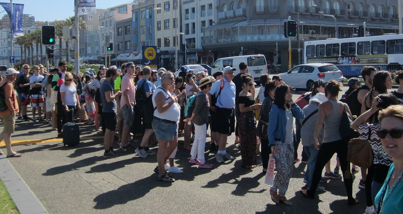 Bondi Beach: Queue for bus back to Bondi Junction and Sydney city