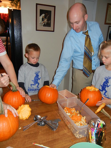 Oct 17 2014 Doller pumpkin carving (3)