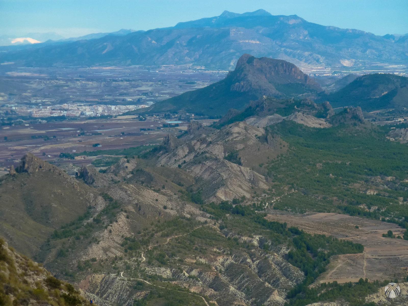 Vistas hacia Cieza, la Atalaya y al fondo la sierra de la Pila
