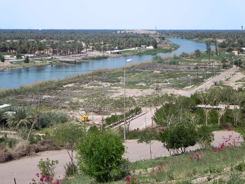 euphrates river babylon iraq