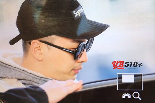 YB Dae TOP arrival Seoul from Nagoya 2016-12-05 (31)