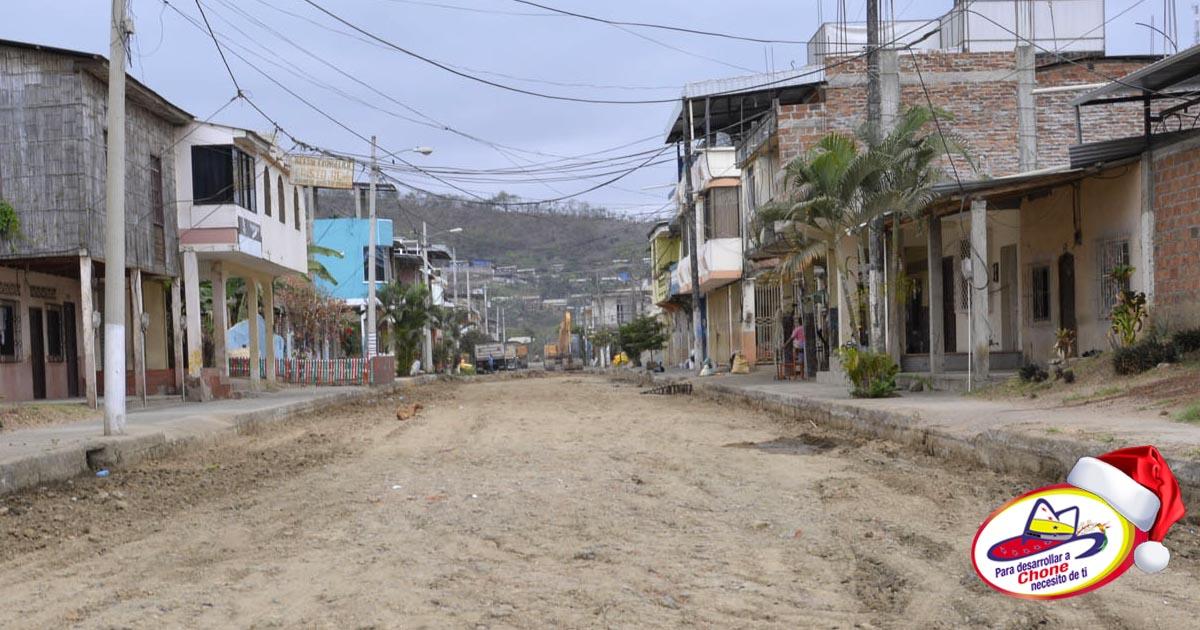 Municipio construye calle adoquinada en San Felipe