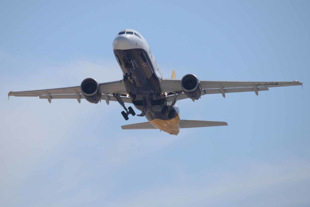 Monarch Airlines Airbus A320 | Dimensions Overall length 37