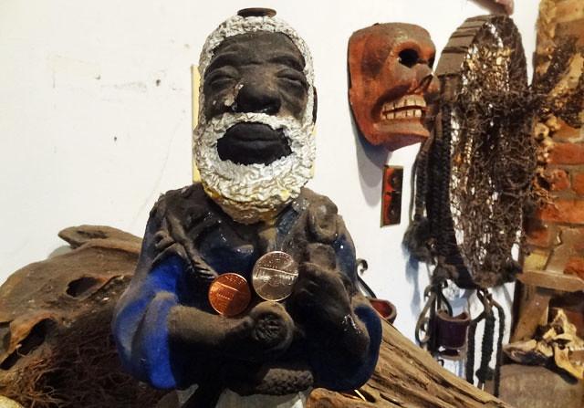 voodoo-statue