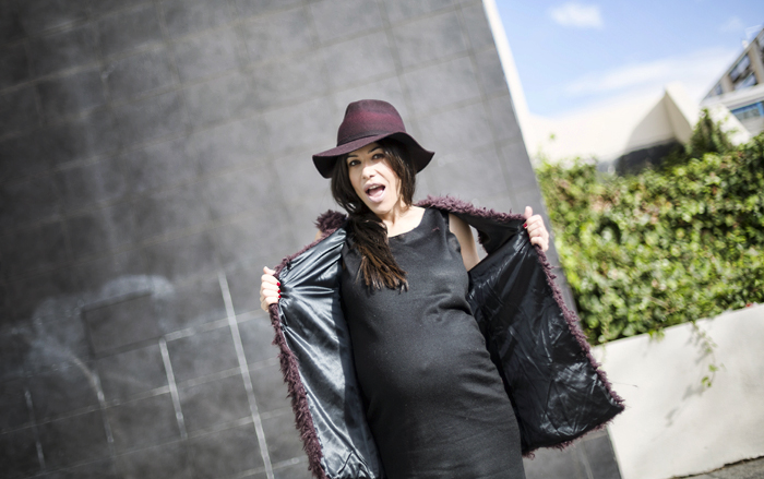 street style barbara crespo burgundy and black the corner shop vest hat marc by marc jacobs fashion blogger outfit blog de moda