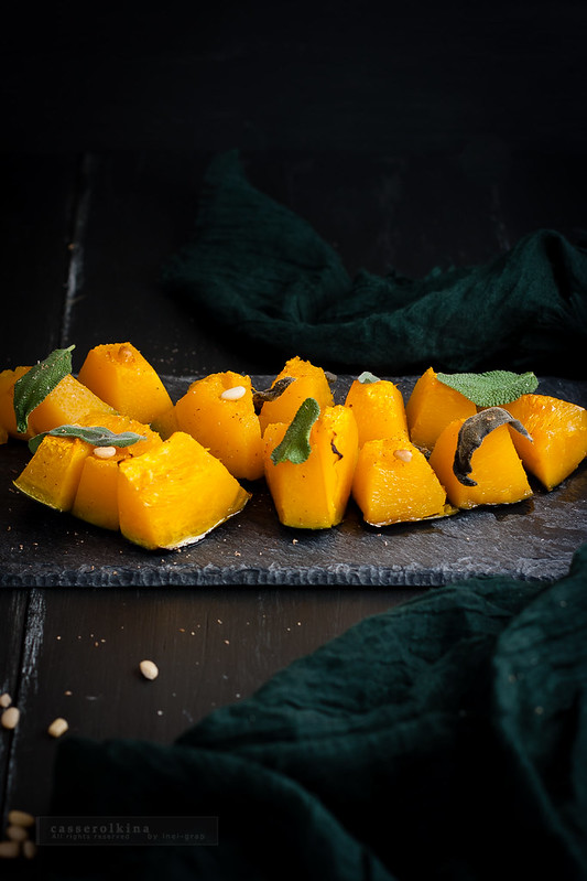 Baked pumpkin with sage and pine nuts