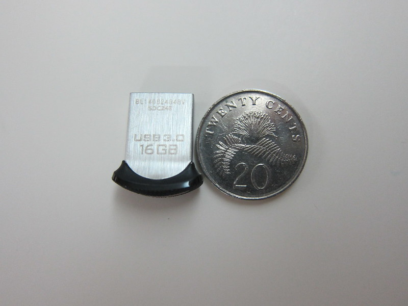 SanDisk Ultra Fit USB 3.0 Flash Drive - Compared With Singapore 20 Cents Coin