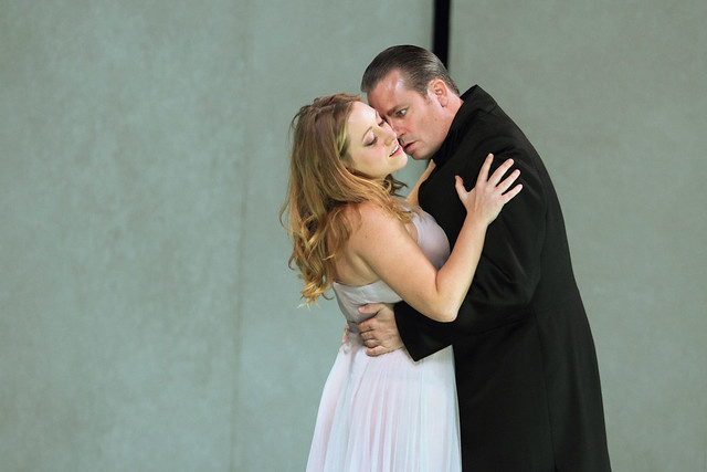 Sophie Bevan as Ilia and Matthew Polenzani as Idomeneo in Martin Kušej's production of Idomeneo © ROH.Catherine Ashmore 2014