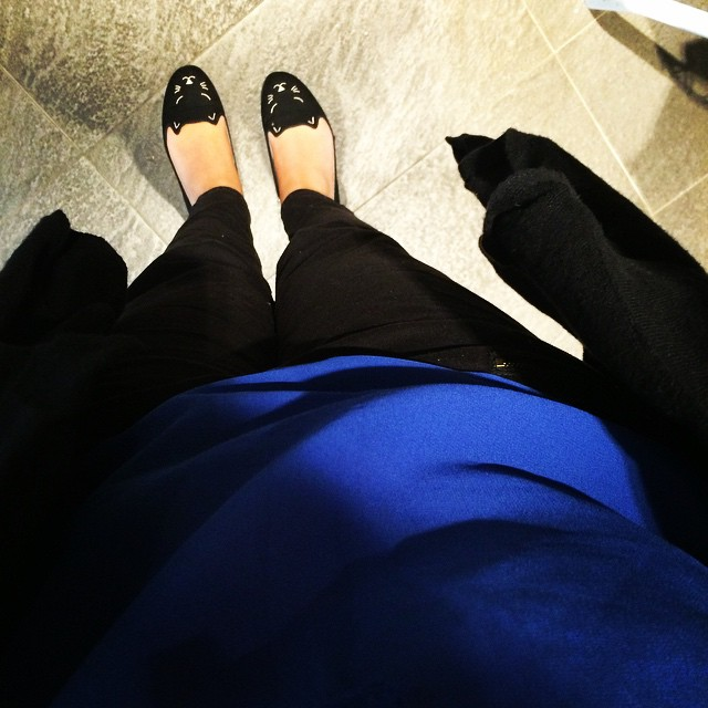 #todayimwearing too big black and very bright blue. Love these trousers but now annoyingly big.
