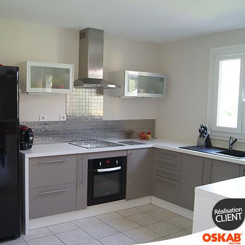 cuisine couleur taupe avec bar ouverte sur salon oskab flickr. Black Bedroom Furniture Sets. Home Design Ideas