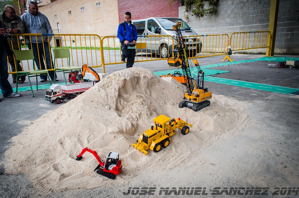 1ª Concentración de Camiones y Maquinaría RC en la Robla - Página 2 15339716697_4b7edc4884_b