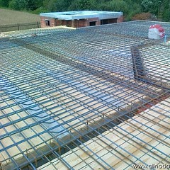 outdoor structure(0.0), net(0.0), reinforced concrete(1.0), roof(1.0), foundation(1.0), brickwork(1.0),