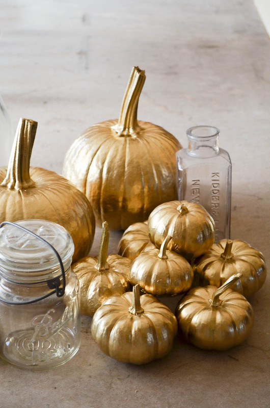 gold pumpkin DIY on juliettelaura.blogspot.com