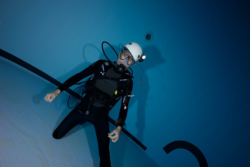 Indoor Diving avec le 15 mm Nikonos 15582352288_a4e065c687_c
