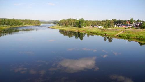 summer sol finland river landscape geotagged july lapland fin lappi 2014 kemijoki savukoski 201407 20140721 geo:lat=6729027442 geo:lon=2815787315 halosentie